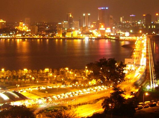 redwire-singapore-johor-causeway-night