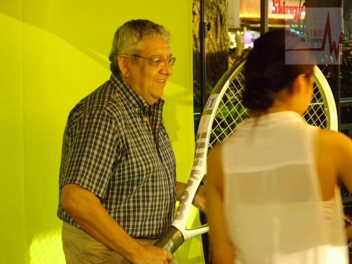 redwire-singapore-orchard-pedestrian-night-7