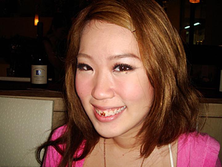 redwire-singapore-model-blogger-xiaxue-sex-goddess-2