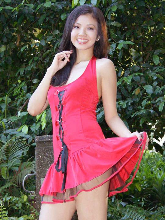 redwire-singapore-model-jacintha-wee-8