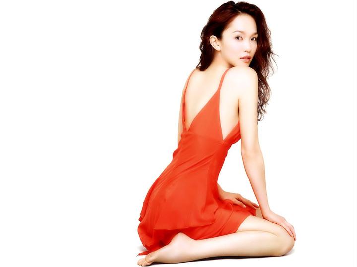 redwire-singapore-actress-fann-wong-3