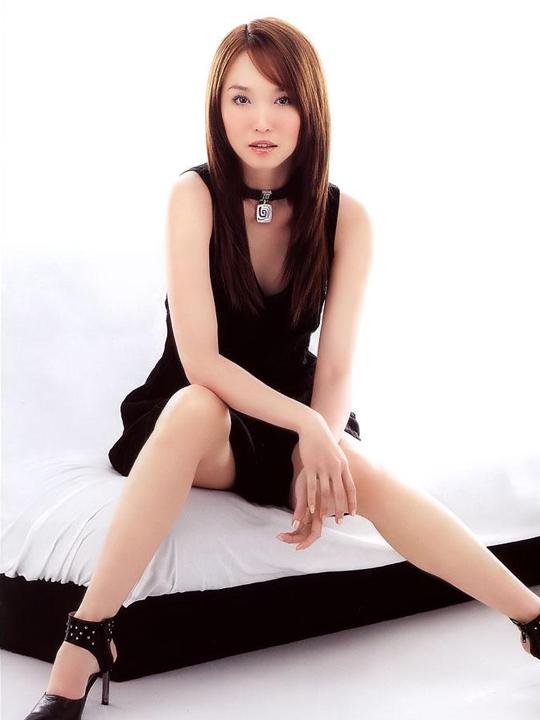 redwire-singapore-actress-fann-wong-5