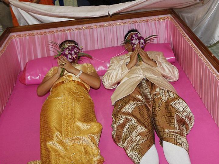 redwire-singapore-thai-coffin-marriage-1