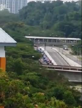 redwire singapore commonwealth vehicles reverse