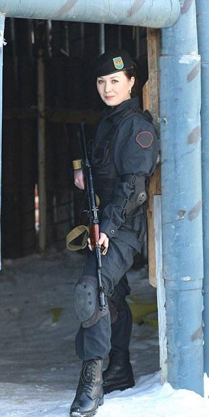 redwire-singapore-kazakhstan-miss-army-babe-7