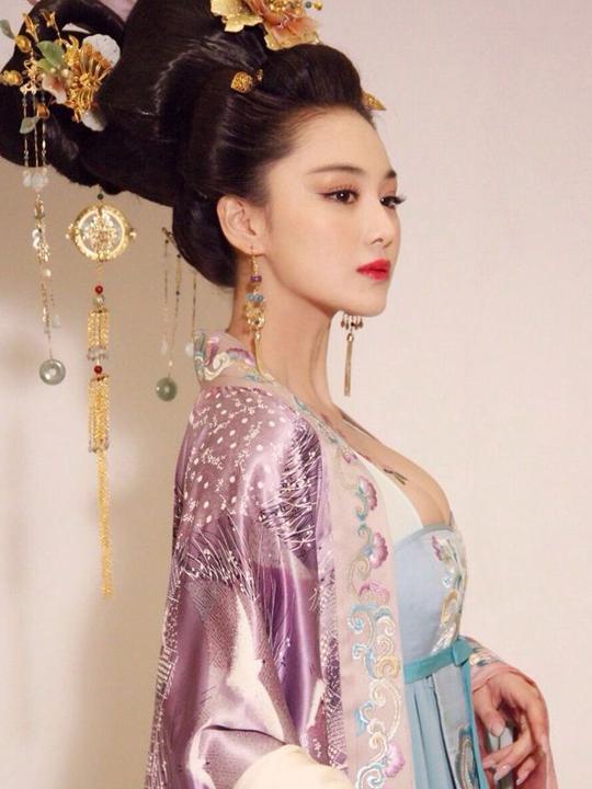 redwire-singapore-fan-bingbing-empress-4