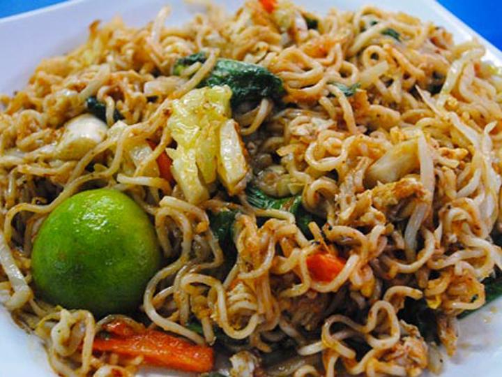 redwire-singapore-maggi-noodles