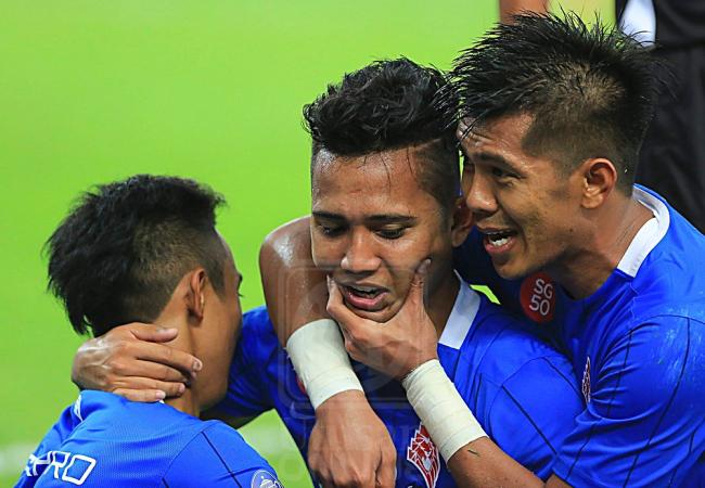 redwire-singaproe-lions-malaysia-fa-cup-win-2