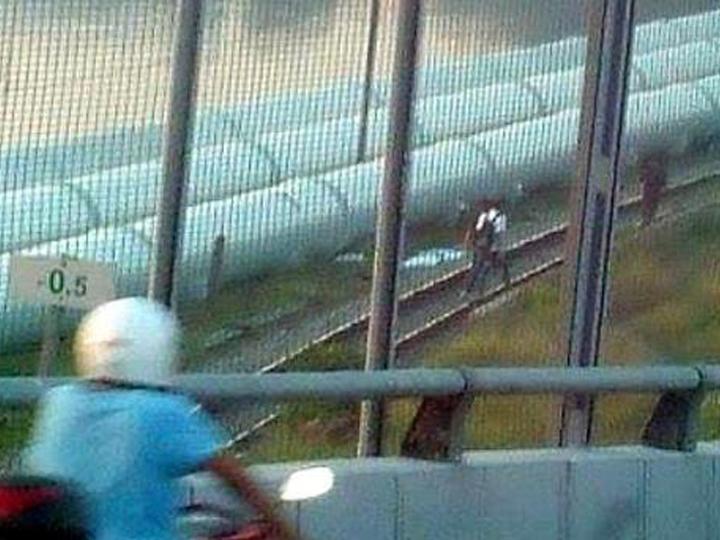 redwire-singapore-malaysia-illegal-cut-queue-causeway-3