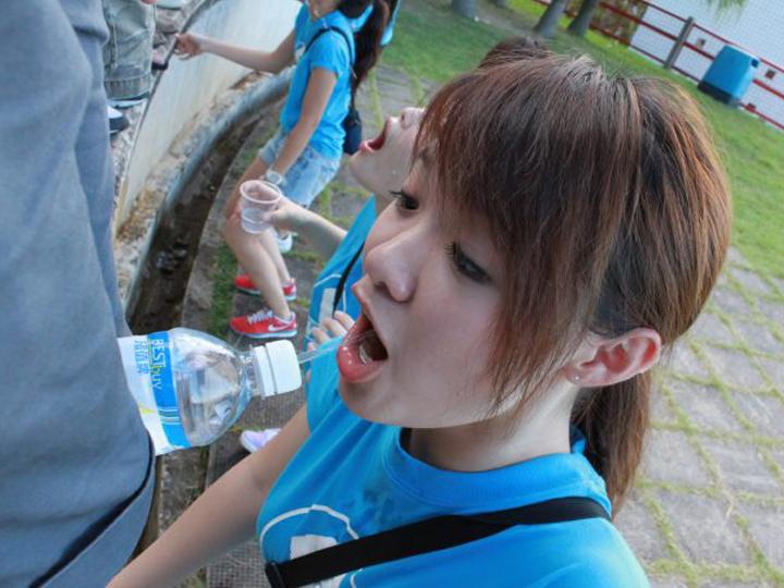 redwire-singapore-hong-kong-university-sex-orientation-games-4