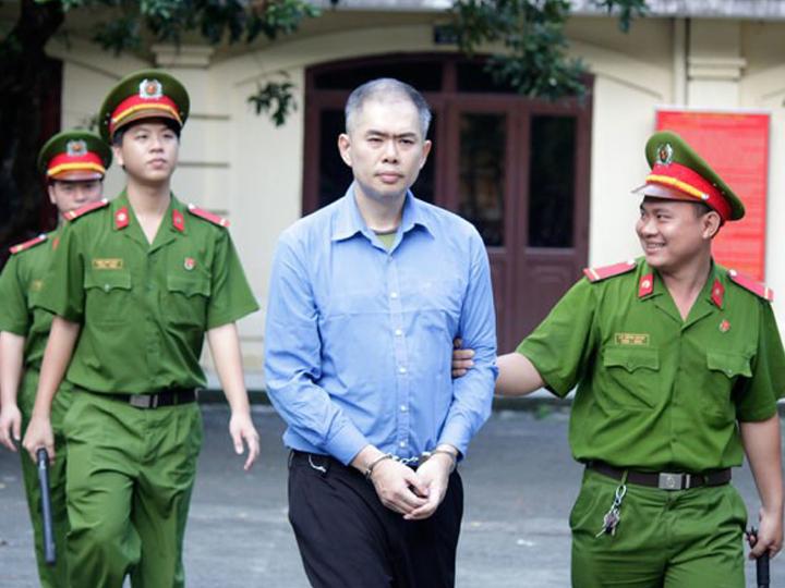 redwire-singapore-vietnam-sex-worker-girlfriend-locked-up