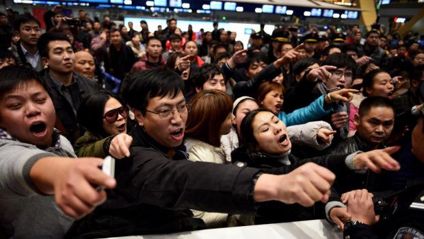 redwire-singapore-china-tourists-behaving-badly-5