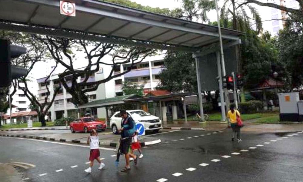 redwire-singapore-pedestrian-crossing-jurong-x1