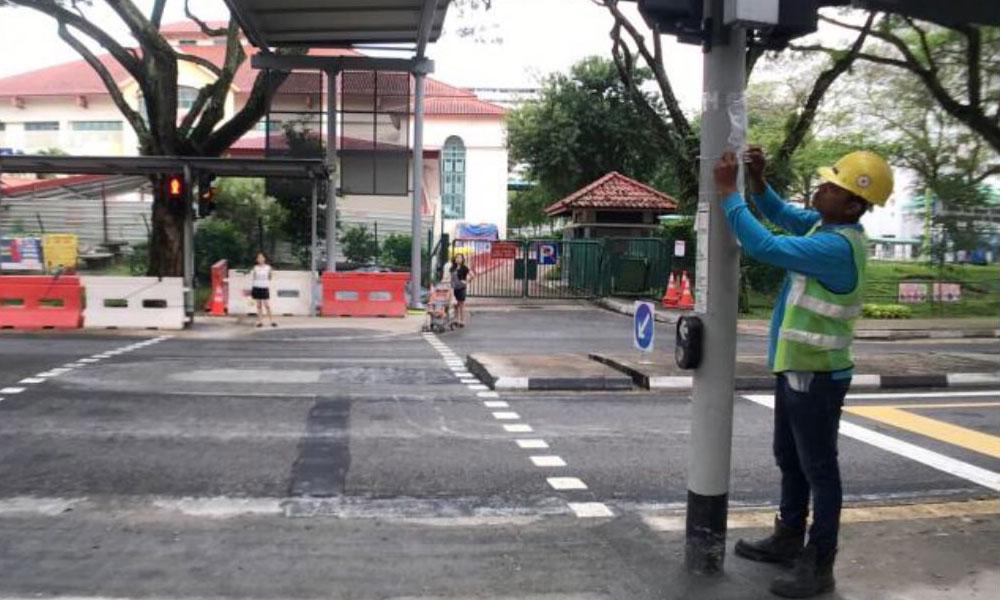 redwire-singapore-pedestrian-crossing-jurong-x2