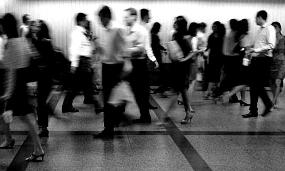 redwire-singapore-young-singaporeans-mrt
