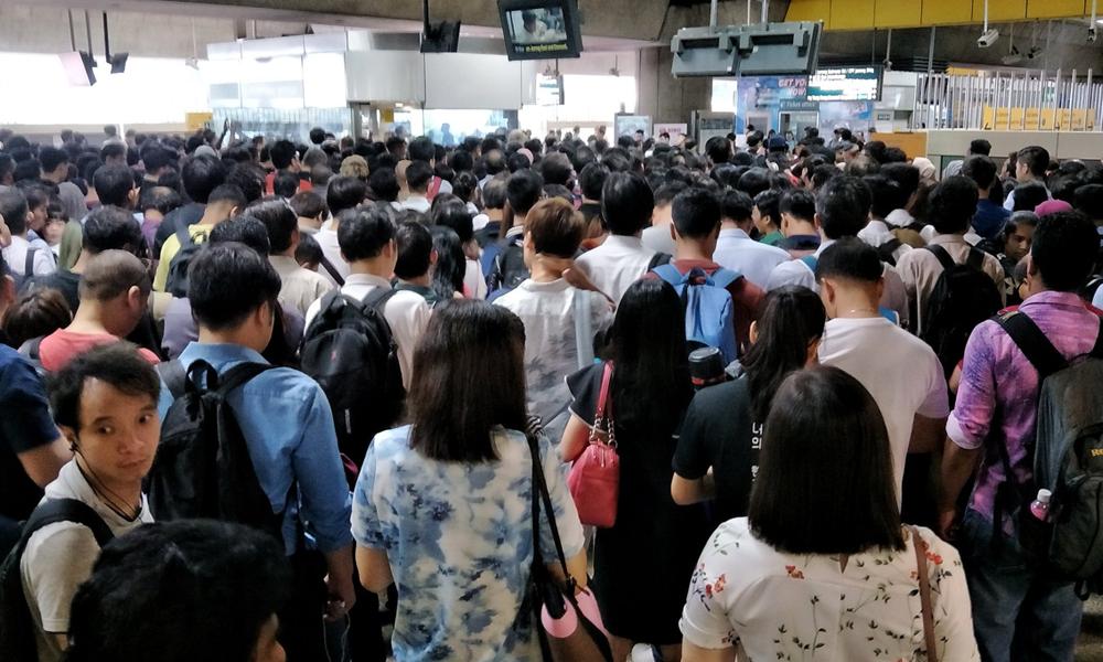 redwire-singapore-smrt-east-west-line-disruption-x1