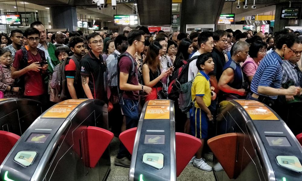 redwire-singapore-smrt-east-west-line-disruption-x3