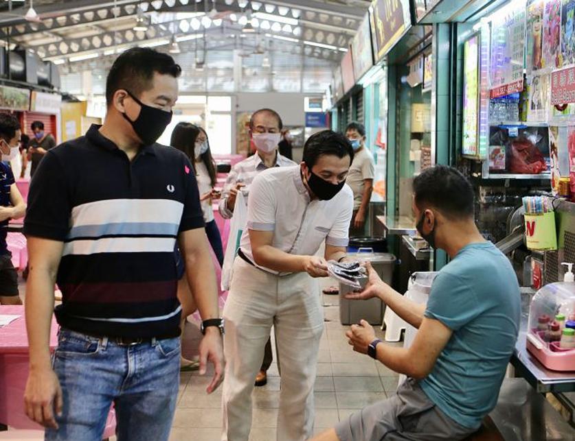 redwire-singapore-chia-shi-lu-masks-1